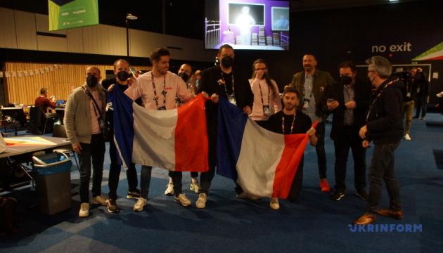 Євробачення-2021: журналісти з Франції та Італії влаштували танці на підтримку учасників