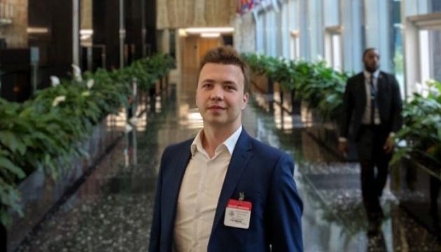У Мінську після екстреної посадки літака затримали засновника каналу Nexta Романа Протасевича
