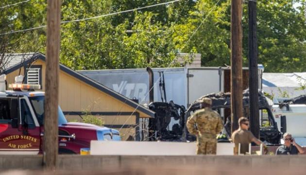 У Лас-Вегасі розбився військовий літак, пілот загинув