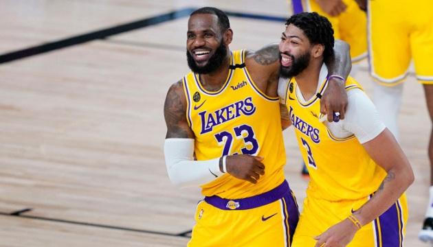 «Лейкерс» нанес второе поражение «Финиксу» в серии плей-офф НБА