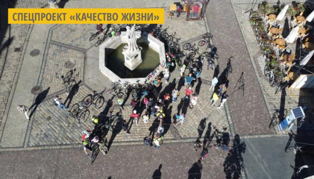 Во Львове состоялась акция «На велосипеде на работу»
