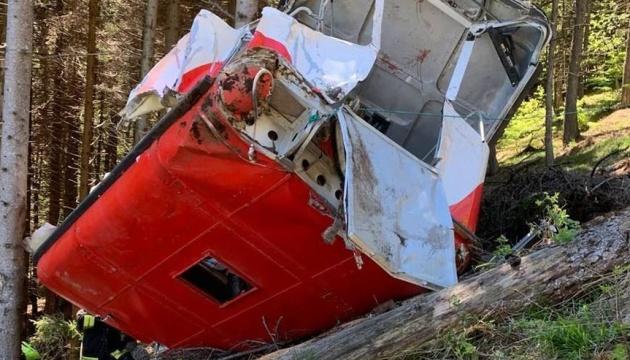 В Італії поліція затримала трьох осіб, причетних до аварії на канатній дорозі