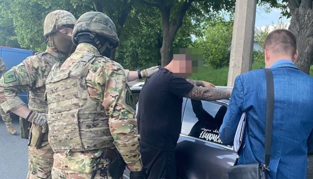 У Харкові затримали блогера, який заради відео лаяв та принижував патрульних