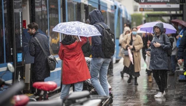 Сильні зливи затопили дороги й сотні будинків у Швеції