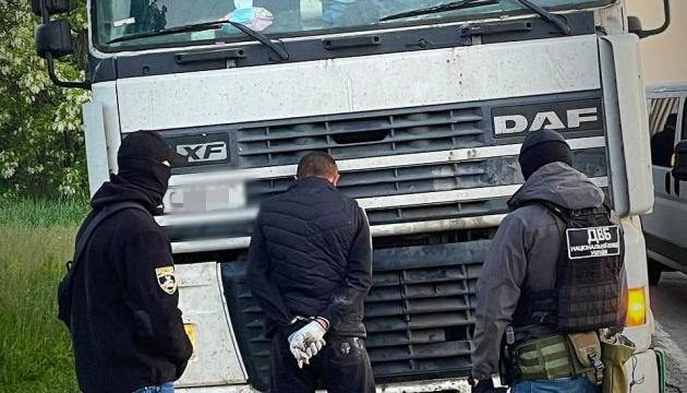 В Одесской области задержали разбойную группу, нападавшую на дальнобойщиков