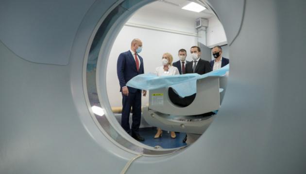 Schmyhal besucht Krankenhaus in Dnipro, das COVID-Patienten aufnimmt