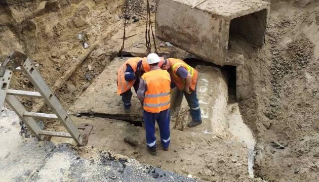 В КГГА рассказали, сколько будут ликвидировать прорыв трубы на «Лыбедской»
