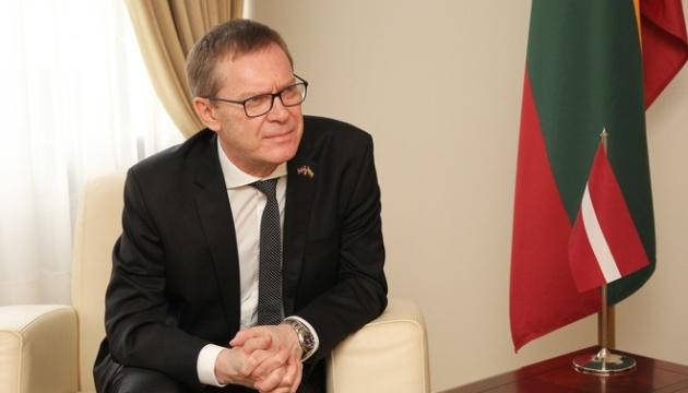Латвія «заморозила на невизначений час» відносини з Білоруссю