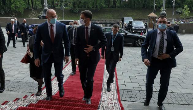 Україна і Словаччина сподіваються на поновлення туристичних поїздок улітку