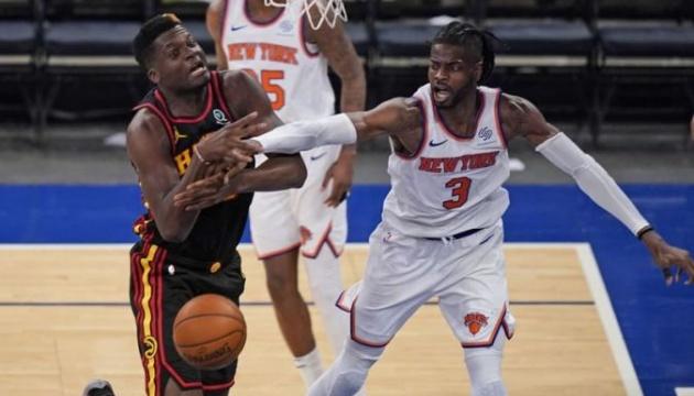 «Атланта» обыграла «Нью-Йорк» и вышла вперед в серии плей-офф НБА