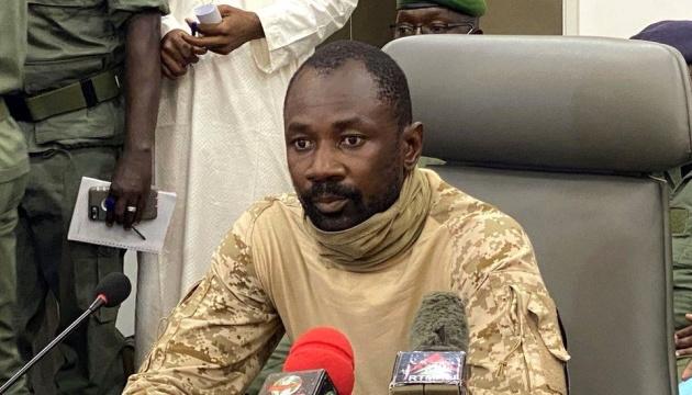 В Мали лидер военного переворота назначен временным президентом
