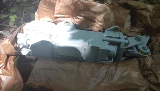 Сумчанин в коробках за спиной незаконно переносил из России военное оборудование