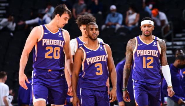 «Финикс» выиграл серию у «Денвера» и вышел в полуфинал плей-офф НБА