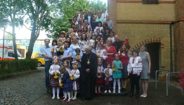 Українці Лейпцига передали гуманітарну допомогу для мешканців Донбасу
