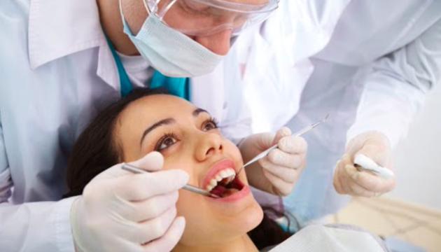 Почему болит зуб после удаления нерва и что с этим делать