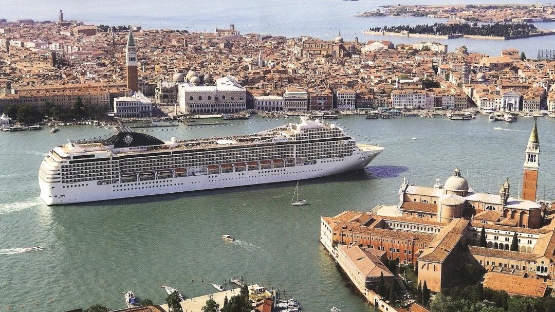 До Венеції прибув перший круїзний лайнер