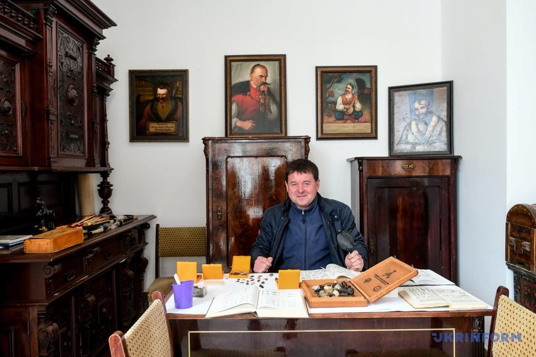 Игорь Тронь