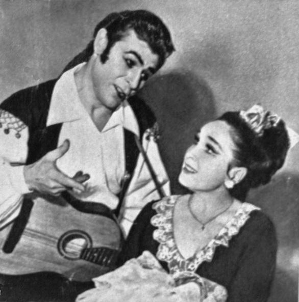 Фігаро та Розіна в опері Севільський цирульник