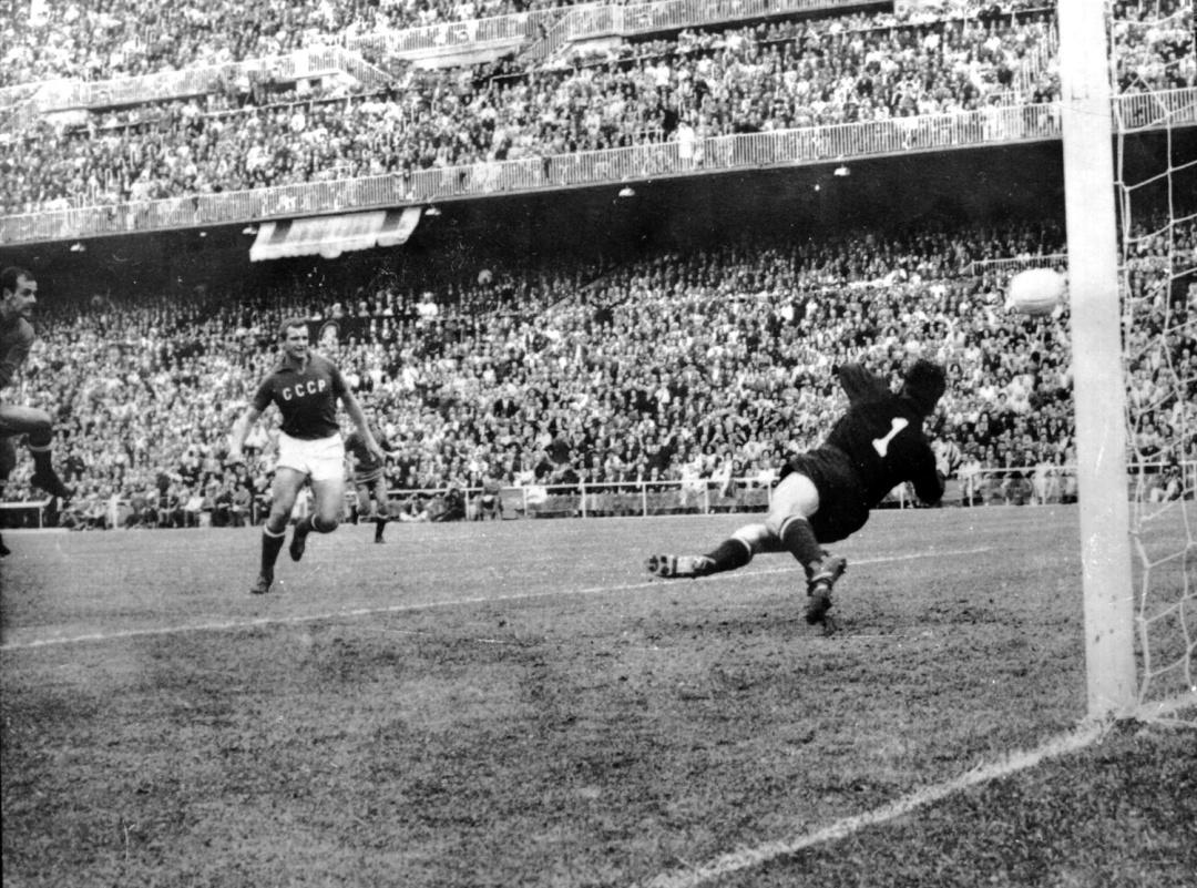 Іспанці відкривають рахунок у фіналі 1964 року
