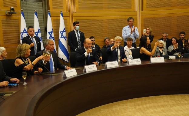 Новий уряд Ізраїлю відзначає перемогу