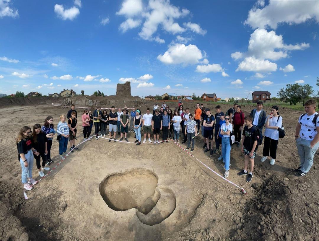 Екскурсія на розкопках / Фото: Дніпровська археологічна експедиція