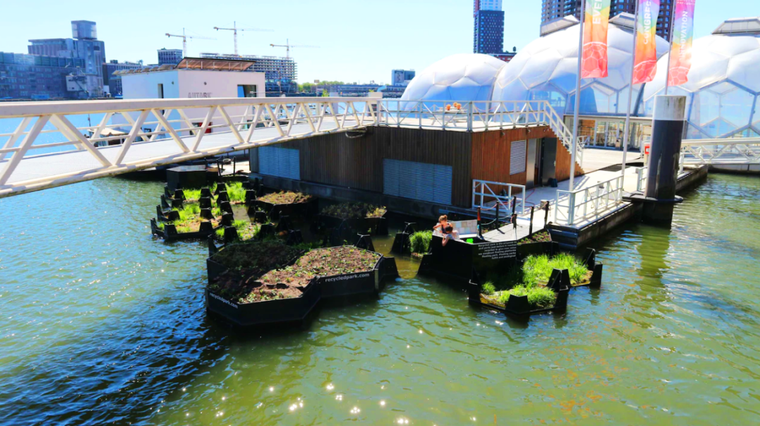 Острів із перероблених відходів (Recycled Island) починається з острівців_ Роттердам, Голландія