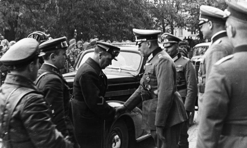 Встреча советских и немецких военных в Люблине в 1939 г.