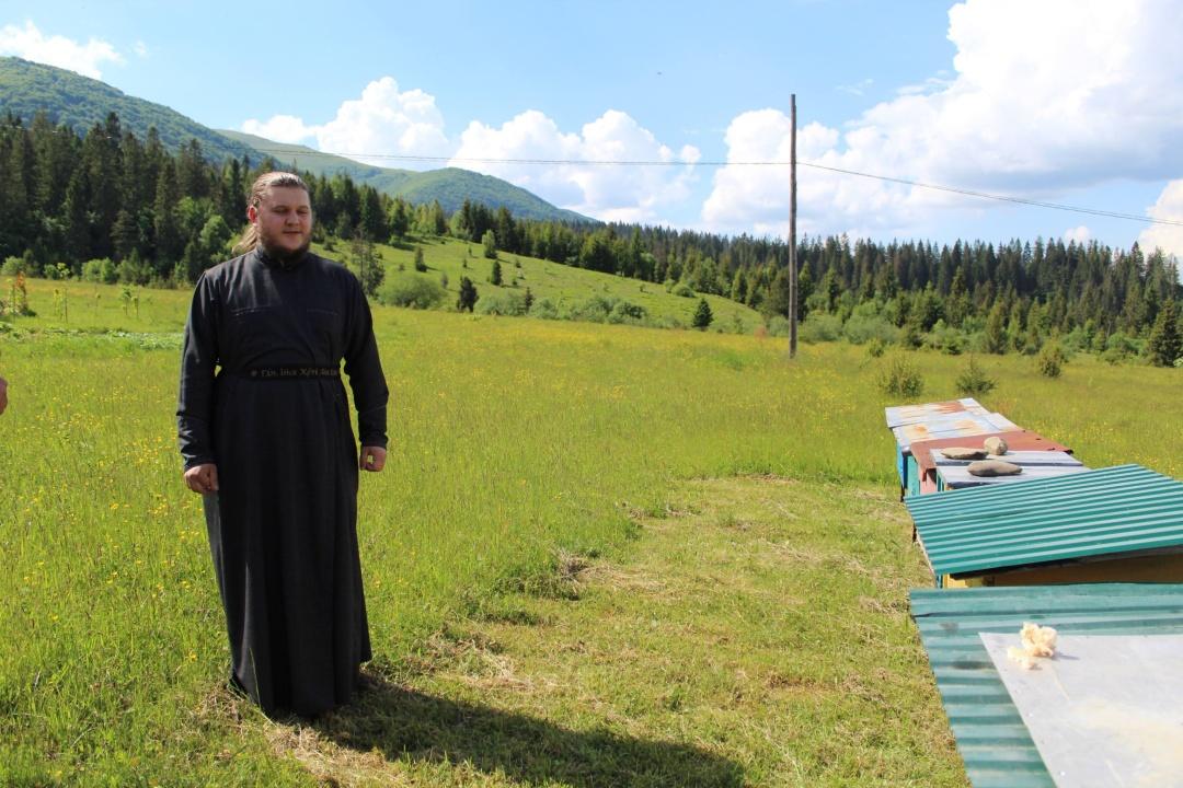 отець Серафим