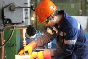 В Киеве наиболее востребованы слесари, электромонтеры и кондитеры - центр занятости