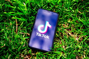 2021-2030. Съест ли «TikTok» этот «YouTube»? (укр.)