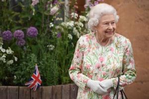 Королева Великобритании посвятила в рыцари разработчиков вакцины AstraZeneca
