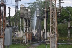 Пожежа на підстанції залишила частину Одеси без води та світла