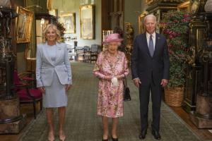 Байден запросив Єлизавету II відвідати Сполучені Штати