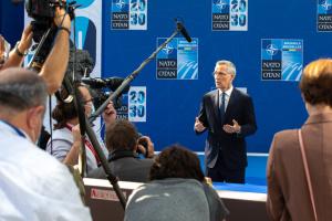 Столтенберг прокомментировал демарш России, закрывшей миссию при НАТО