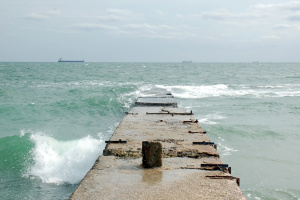 Морська вода біля пляжів Одеси непридатна для купання – міськрада