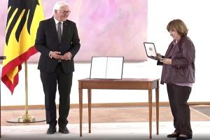Алексієвич у Німеччині вручили орден «За заслуги»
