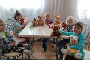 Центр реабілітації дітей на Донбасі отримав гумдопомогу від українців Лейпцига