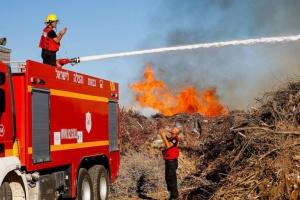 Ізраїль заявляє про пожежі через «вогняні кулі», запущені з сектора Гази