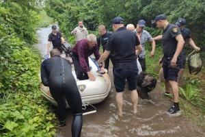 У Маріуполі із затоплених будинків врятували п'ятьох літніх людей