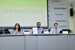 Досягнення та виклики у сфері адмінпослуг: децентралізація, плата за адмінпослуги та реформа «прописки»