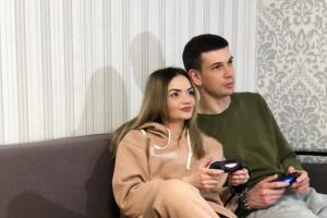 Закована ланцюгом пара харків'ян припинила стосунки попри світовий рекорд
