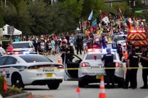 У США авто врізалось в учасників гей-параду, загинула людина