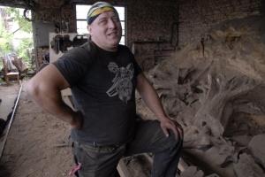 Мистецтво на пеньках:  як зробити бізнес з лісового непотребу