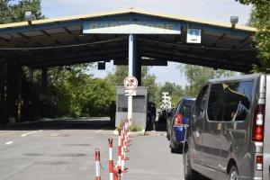 На кордоні з Угорщиною відкривають пункт пропуску, що був «на карантині»