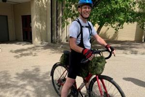 Канадець подолає на велосипеді дві тисячі кілометрів для допомоги українцям