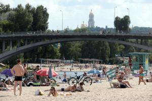 У Києві стартує купальний сезон, готові 14 пляжів – Кличко