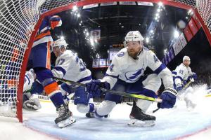 НХЛ: «Айлендерс» обіграли «Тампу-Бей» і зрівняли рахунок у серії 1/2 фіналу Кубка Стенлі