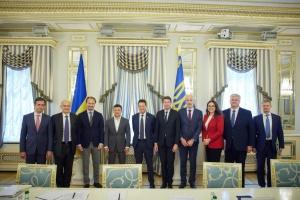 Зеленський закликав бізнес Франції долучитися до модернізації дорожньої інфраструктури України