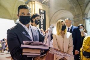 Зеленський накупив новинок на Книжковому Арсеналі