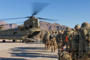 Польща виводить свій контингент з Афганістану